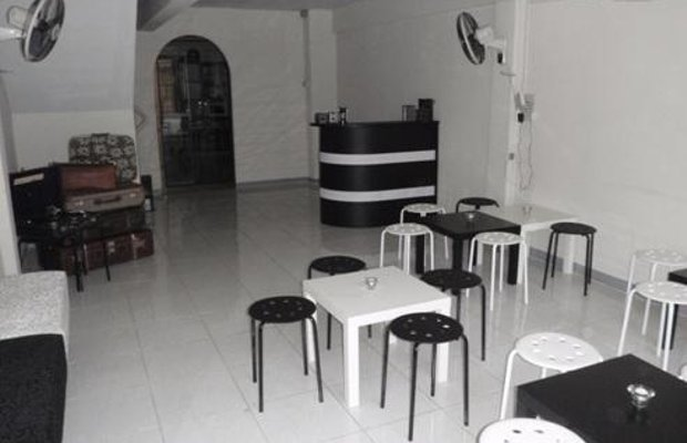 фото Backpackers Airport Lounge and Hostel 603260411