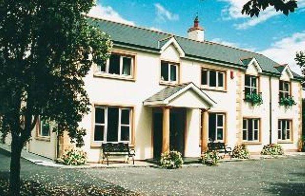 фото Macliam Lodge Guesthouse 603260939