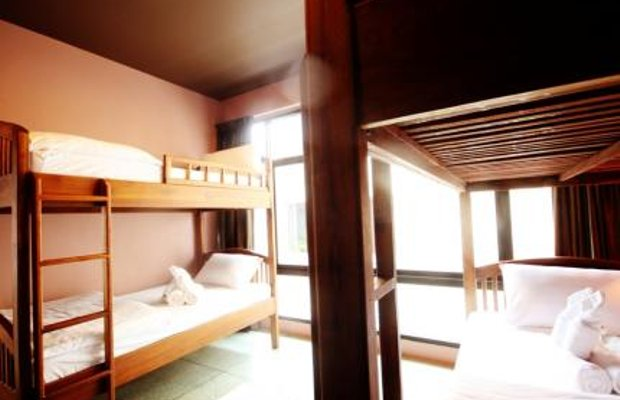 фото Feung Nakorn Balcony Rooms and Cafe 605034214