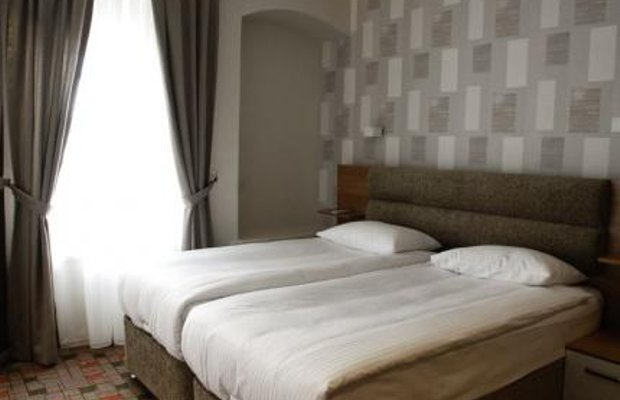 фото Serene Hotel 605210470