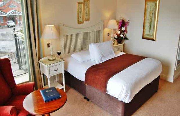 фото WatersEdge Hotel 605395684