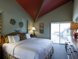 Top-6 hotels in the center of Mammoth Lake