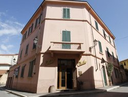 Top-6 hotels in the center of Piombino