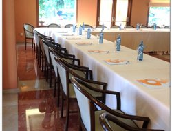 Figueres hotels with restaurants