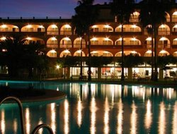 Matalascanas hotels with restaurants