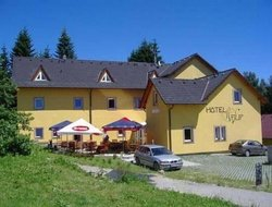 Lipno nad Vltavou hotels with restaurants