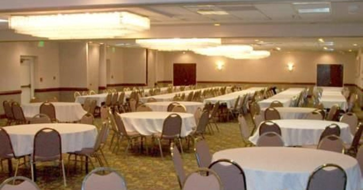 The Moraine Inn Suites & Conference Center