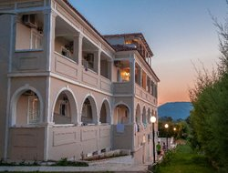 Top-5 romantic Kalamakion hotels