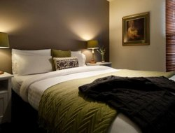 Daylesford hotels with restaurants
