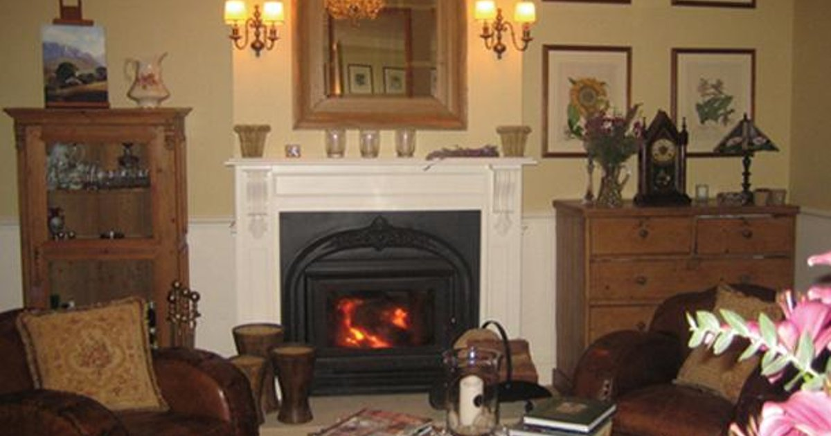 Strathburn Cottage Boutique Bed & Breakfast