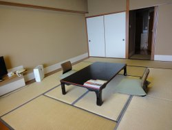 Yonago hotels with restaurants