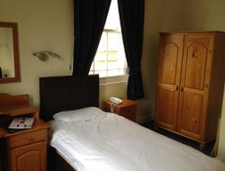 Top-3 romantic Huntingdon hotels