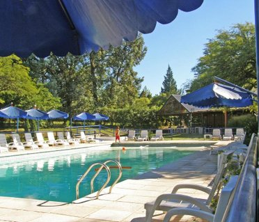 Howard Johnson Hotel & Spa