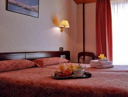Escaldes-Engordany hotels with restaurants