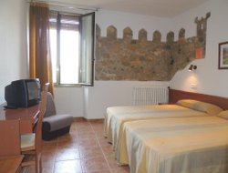Pets-friendly hotels in L'Espluga De Francoli