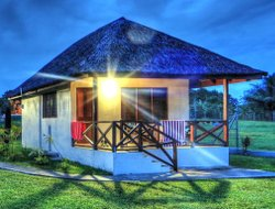 Luganville hotels with swimming pool