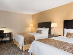 Niagara Falls hotels with river view