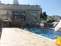 Kiris hotels with swimming pool