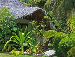 Efate Island hotels with restaurants