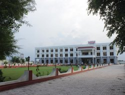 Top-6 hotels in the center of Bharatpur