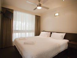 Moama hotels with restaurants