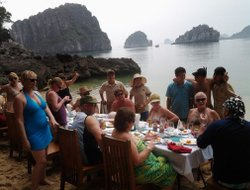 Halong hotels with Russian personnel