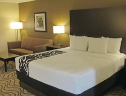 Pets-friendly hotels in Collinsville
