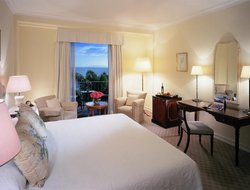 Funchal hotels with restaurants