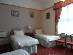 Shanklin hotels with restaurants