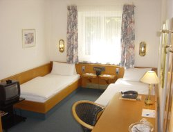 Top-6 hotels in the center of Garching