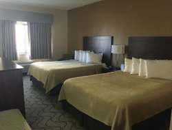 Grand Forks hotels for families with children