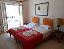 Pets-friendly hotels in Adamas