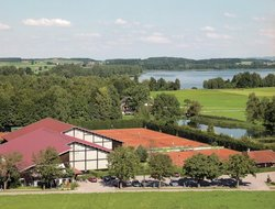 Taching am See hotels with restaurants