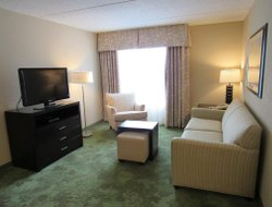 Mechanicsburg hotels with restaurants
