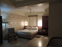 Panvel hotels with restaurants