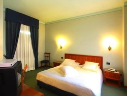 Terni hotels with restaurants
