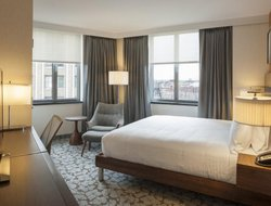 Top-10 hotels in the center of Long Island City