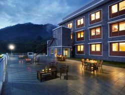 Munnar hotels with restaurants