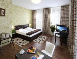 Olomouc hotels with restaurants