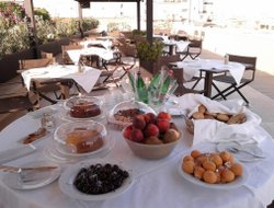 Trani hotels with restaurants