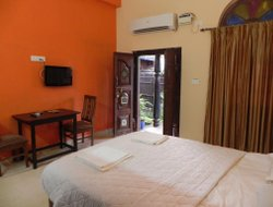 Anjuna hotels with restaurants