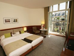 Paris hotels for families with children