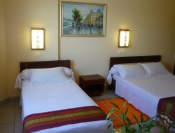Toamasina hotels with restaurants
