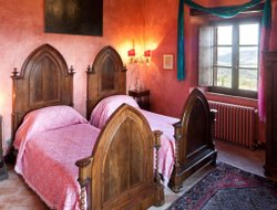 Top-3 romantic Todi hotels