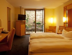 Karlsruhe hotels with restaurants
