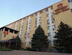 Volgodonsk hotels with restaurants