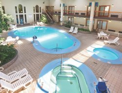 Pierre hotels with swimming pool