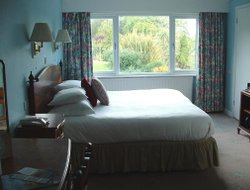 Top-10 romantic Falmouth hotels