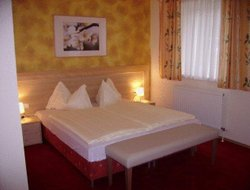 Pets-friendly hotels in Langenhart