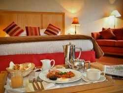Clifden hotels with restaurants